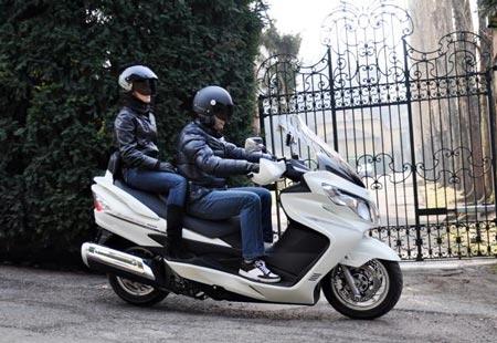 Suzuki  presenta a Motodays 2011 due nuovi Burgman