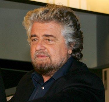 Giovanardi contro lo spot Ikea:  «Offende la Costituzione»