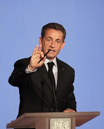 No-tav, guerriglia continua. Berlusconi: