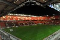 Crolla stadio Twente, un morto e decine di feriti