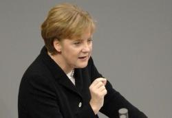Merkel: «Se cade l'euro cade l'Europa»