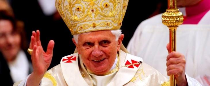 Ratzinger si dimette dal pontificato
