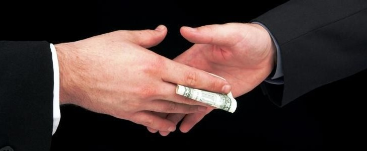 Sicilia: soldi pubblici trasformati in tangenti. 17 arresti