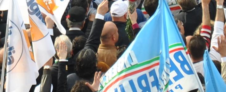 E il Pdl scende in piazza per difendere il suo leader