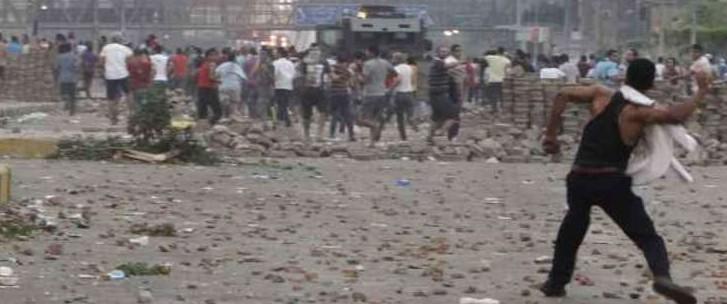 Egitto: l'esercito usa la forza. Proclamato stato di emergenza