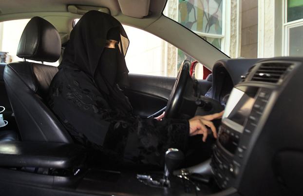 Arabia Saudita: donne al volante, pericolo....di sterilità