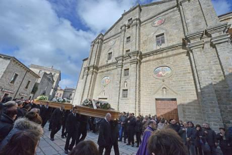 Alluvione in Sardegna, il giorno del dolore e delle accuse