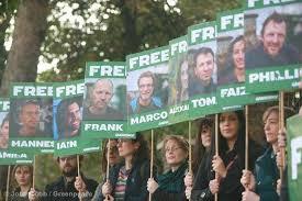 Mobilitazione per Greenpeace, la Russia libera gli attivisti