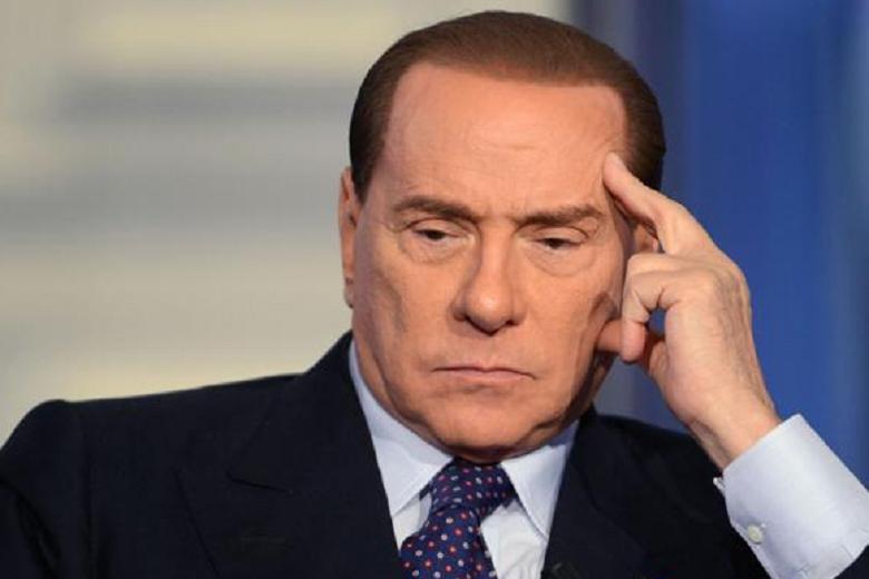 Berlusconi e i suoi legali, tutti indagati per corruzione