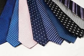 Londra dice addio all'accessorio più inutile: la cravatta