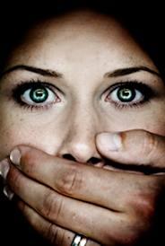 Violenza sulle donne, il prezzo concreto da pagare