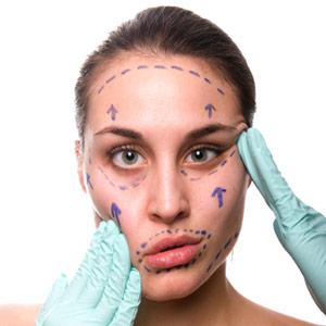 Chirurgia plastica, troppi rischi con gli interventi