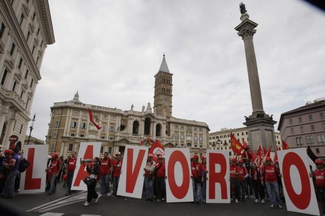 Roma, lo scandalo del parcheggio di Porta Pia