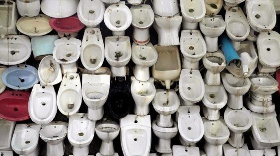 Cina: una cascata di wc contro lo spreco d'acqua