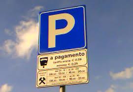 parcheggio-strisce-blu