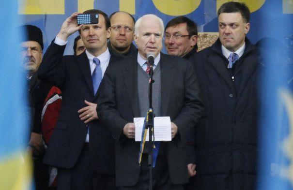 Ucraina, dopo il massacro arriva l'accordo: voto anticipato e meno poteri al presidente