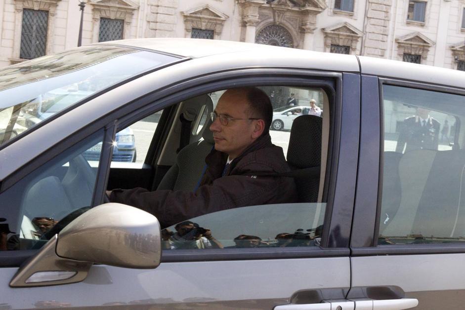 Governo, dopo la sfiducia Letta al Colle per le dimissioni