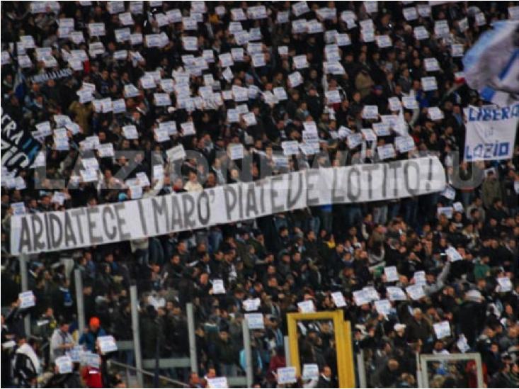 Tutto invariato in vetta. Lazio vince, tifosi contestano Lotito