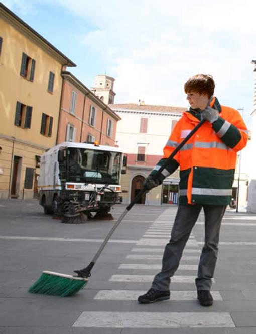 Lavoro: il sogno di un giovane su quattro è fare lo spazzino