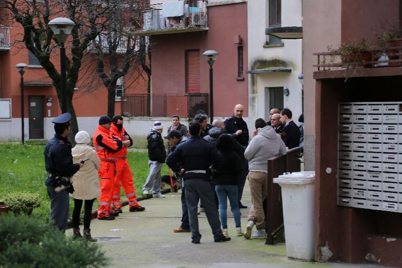 Duplice omicidio a Milano. Uccide mamma e figlio di 3 anni
