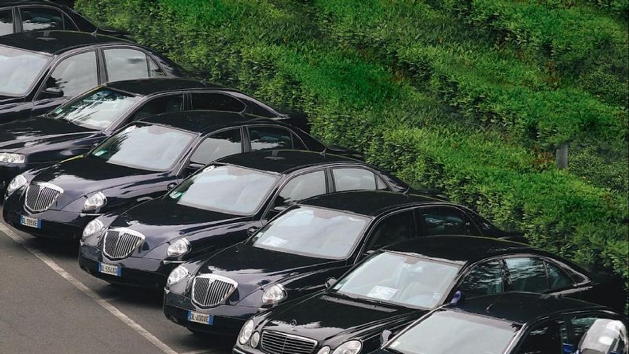 A.A.A. Vendesi auto uniproprietario: lo Stato italiano