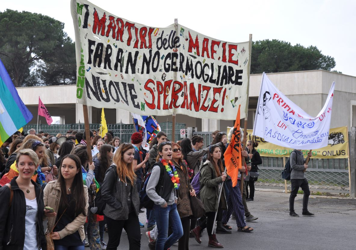 Lotta alla mafia, un corteo di centomila persone invade Latina