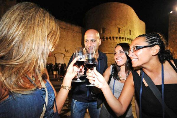 Alcol, crescono i consumi e diminuiscono gli astemi