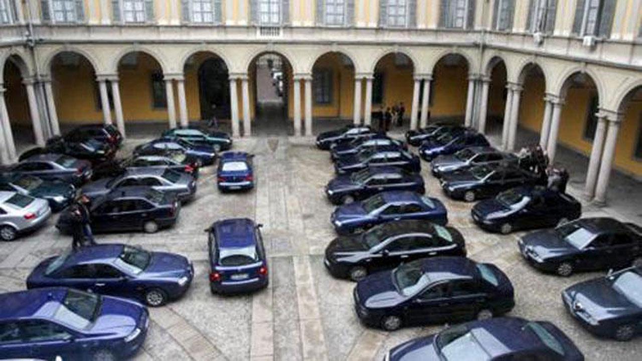 Lo Stato firma ricevuta da 246mila euro per 25 auto blu