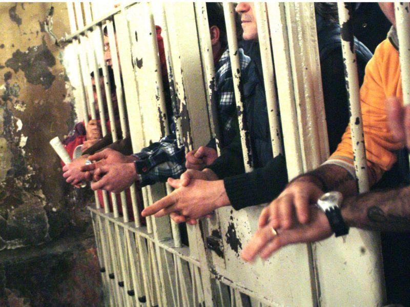 Caos carceri, solo la Serbia è peggio dell'Italia
