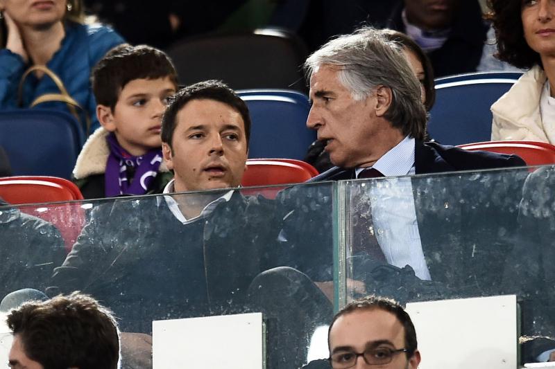 Renzi dice basta alla violenza. Il calcio torni alle famiglie