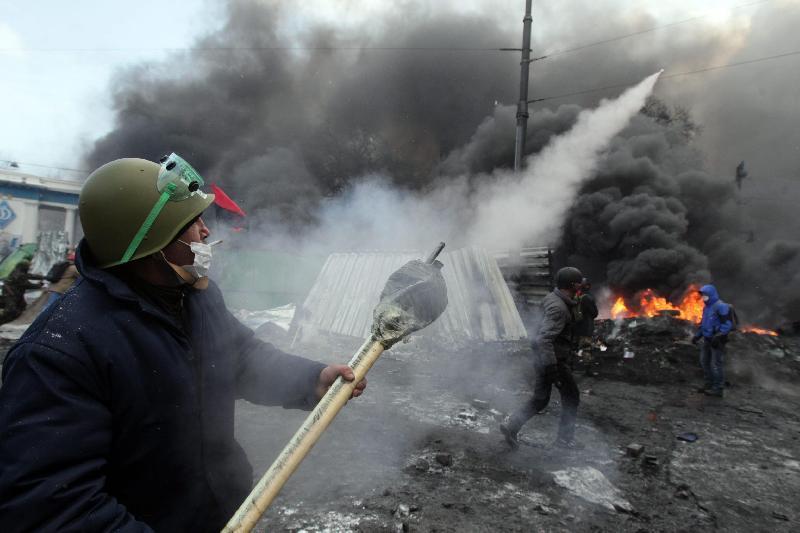 Kiev attacca le roccaforti separatiste. Operatori OSCE presto liberi