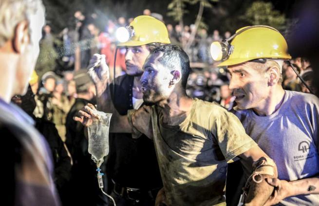 Turchia: esplode miniera,  280 morti e 300 intrappolati