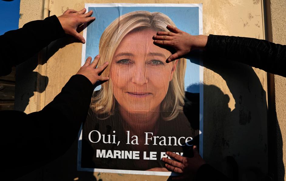 Le Pen all'attacco: elezioni in Francia e referendum sull'Ue