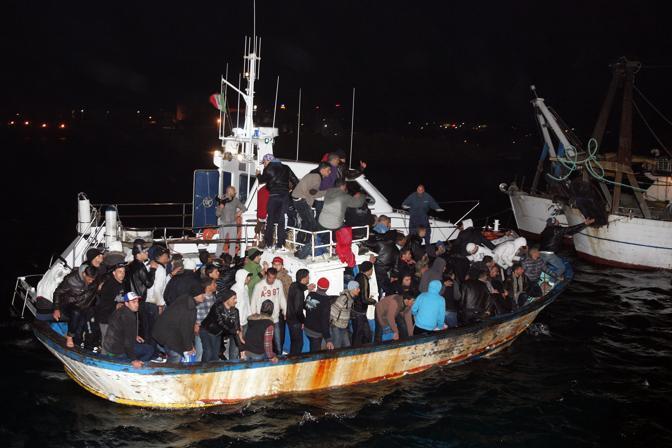 Emergenza immigrati a Lampedusa. Sbarchi durante la notte