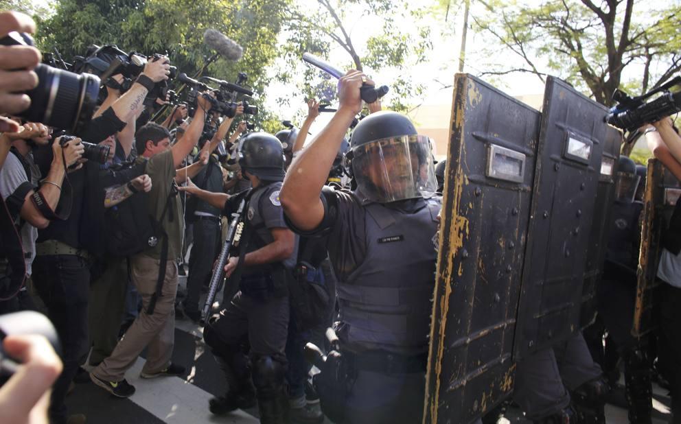 Brasile 2014: primi scontri a Sao Paulo. Feriti alcuni giornalisti