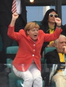 Un'euforica Angela Merkel