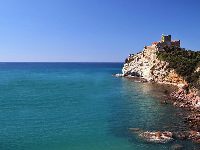 Il mare più bello: 5 vele a Castiglione della Pescaia