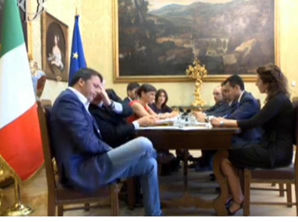 Incontro Renzi-M5S: distanze ci sono ma non incolmabili
