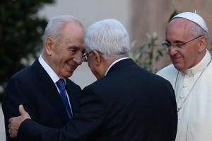 Shimon Peres e Abu Mazen da Papa Francesco:  era l'8 giugno. Sembra trascorso un secolo