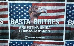 """""""Basta Avvoltoi"""", i manifesti che tappezzano Buenos Aires"""