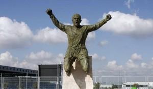 Una statua: il giusto tributo per un fuoriclasse