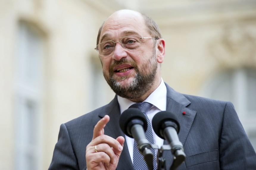 Schulz rieletto al Parlamento europeo. Ukip dà le spalle all'Inno alla Gioia