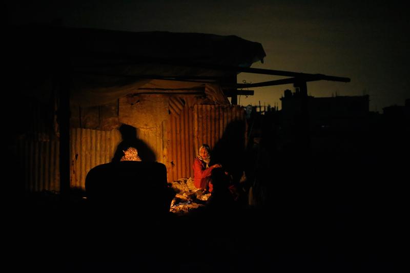 Gaza: è strage continua. L'ayatollah Khamenei: armare i palestinesi