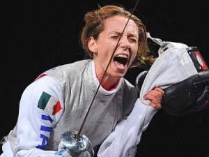 Un'esultanza tipica di Valentina Vezzali: fighter per eccellenza dello sport italiano:
