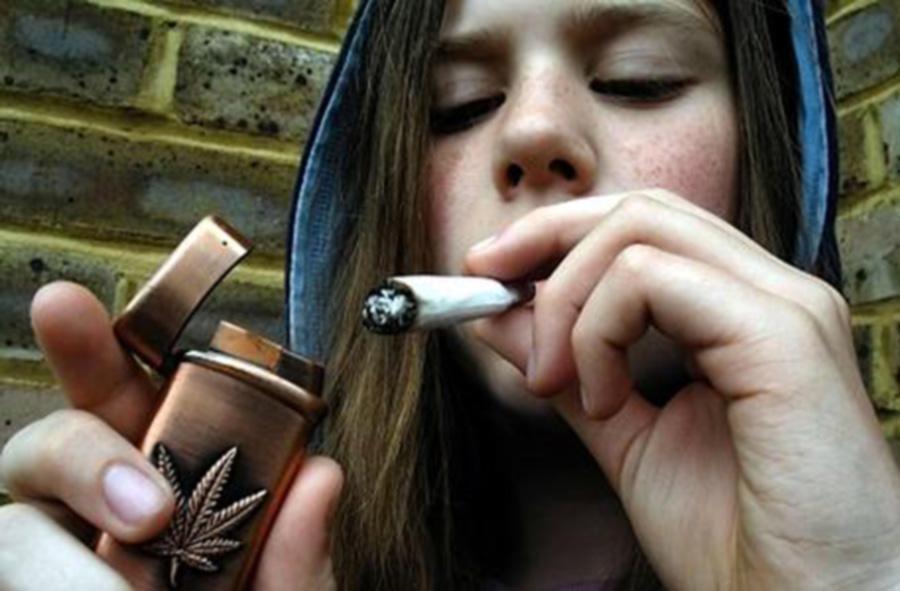 Tra adolescenti aumenta consumo cannabis