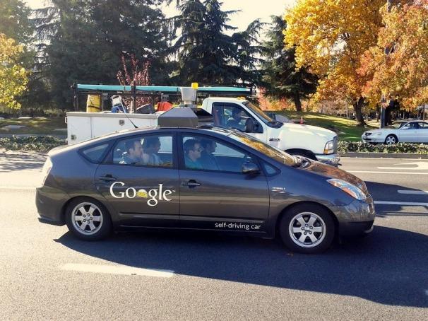 Dopo i Googleglass, ecco la driverless car