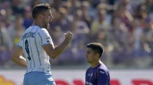 L'esultanza di Djordjevic per l'1-0 biancoceleste a Firenze