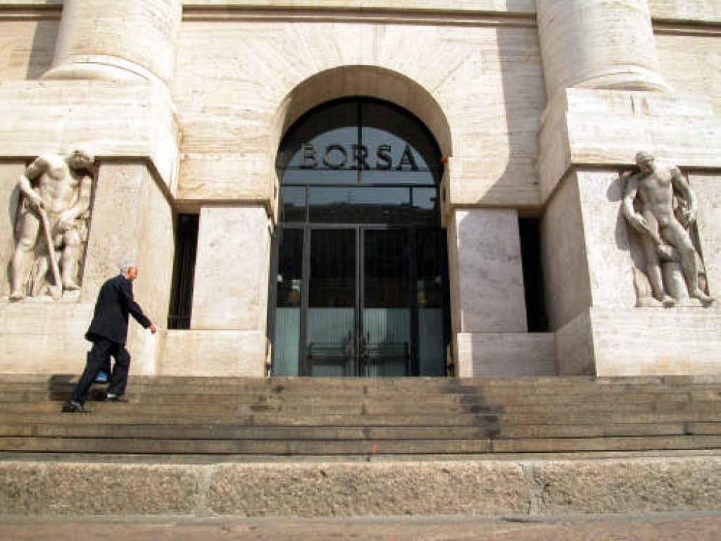 Il day after Fed, Piazza Affari trema, tonfo delle banche
