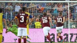 Il rigore del 3-0 di Totti