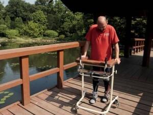 Darek Fidyka, paraplegico, ora cammina!